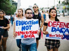 recent DACA protest (photo by Molly Allen; image source: Tribuno Del Pueblo)